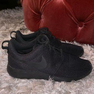 Black on Black Nike Free Women's